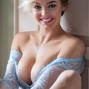 Rosie Robinson Busty Fit Model