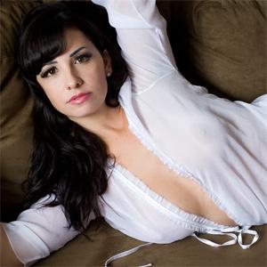 Sabrina Santos Curvy