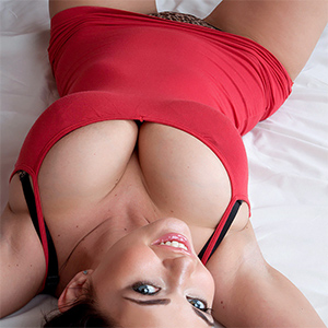 Sha Rizel Red Dress Beauty