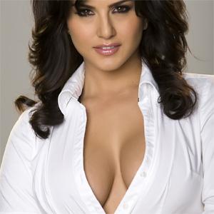 Sunny Leone Simply Stunning