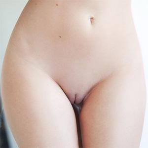 Tiffany Toth Steamy Shower