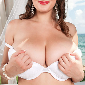 Valory Irene Plays The Perfect Bride