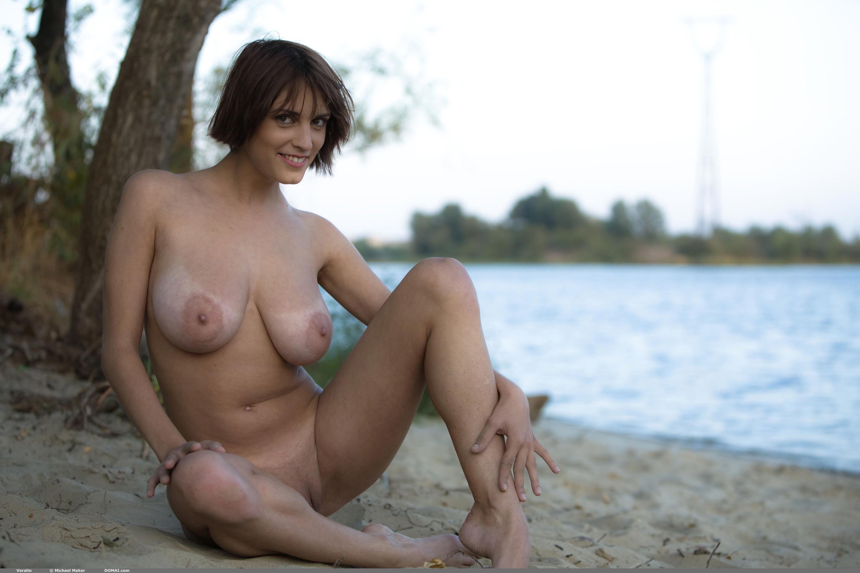 hot natural naked women