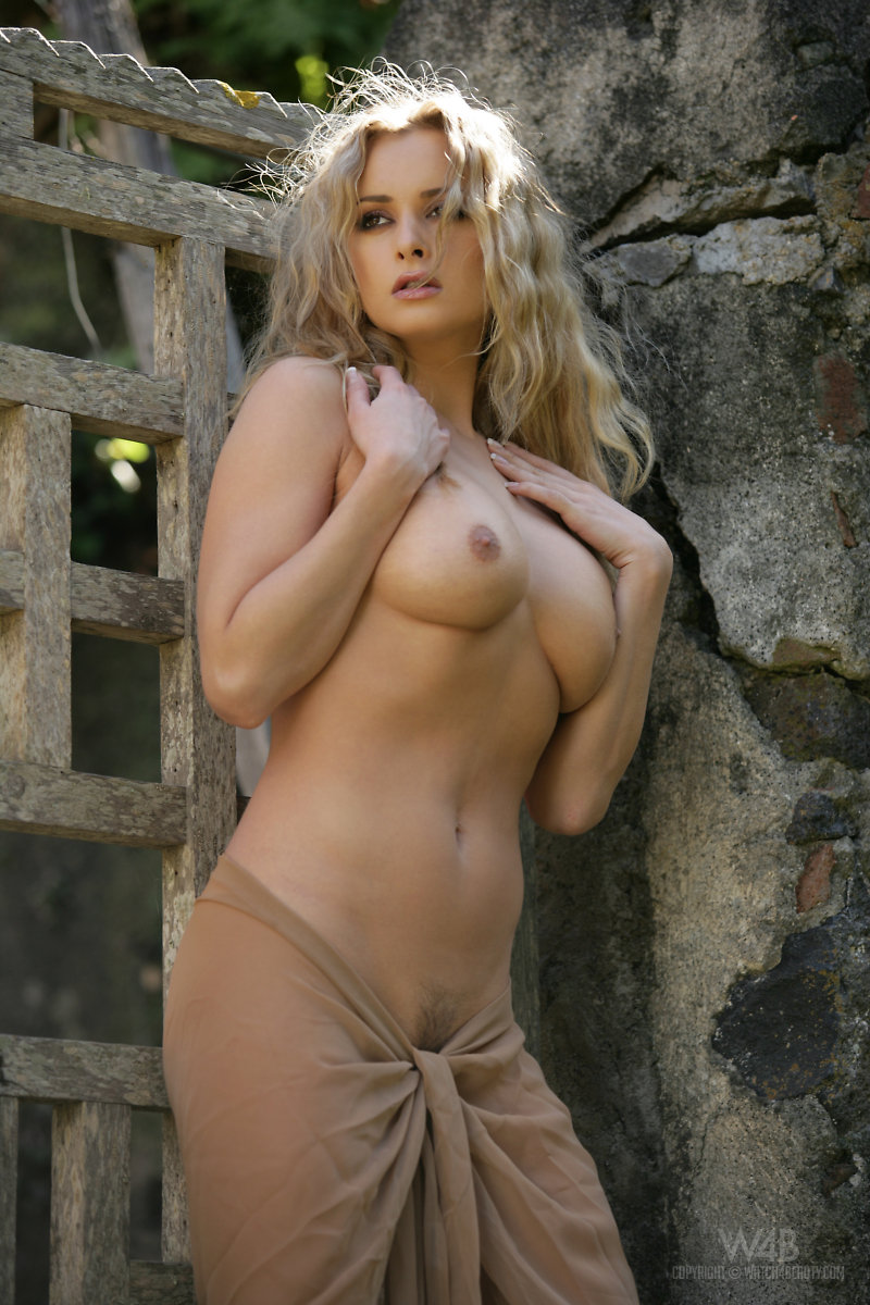Cherry Nudes - A Comprehensive Guide To Beautiful Nude Women-1118